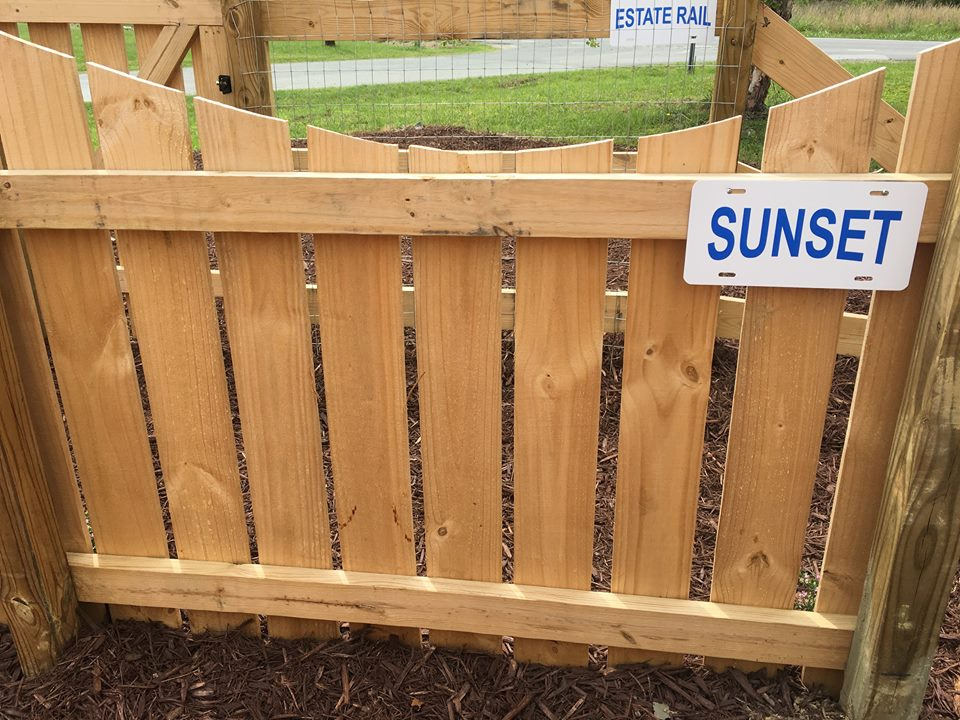 diy fences by sunrise fence do it yourself fence styles. Black Bedroom Furniture Sets. Home Design Ideas